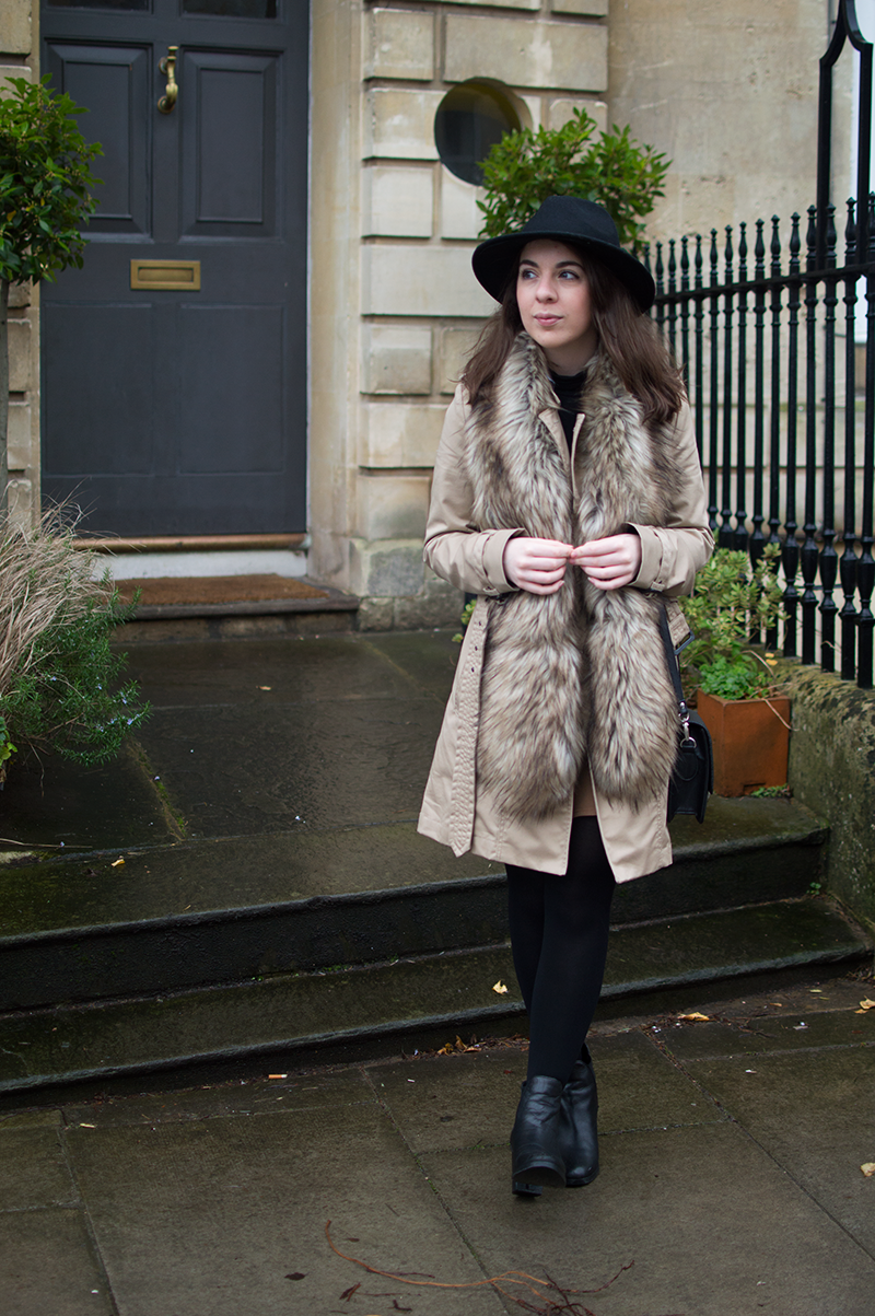 How to wear a faux fur stole