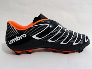 Sepatu Bola Umbro Jadi Pilihan Terbaik untuk Sepak Bola