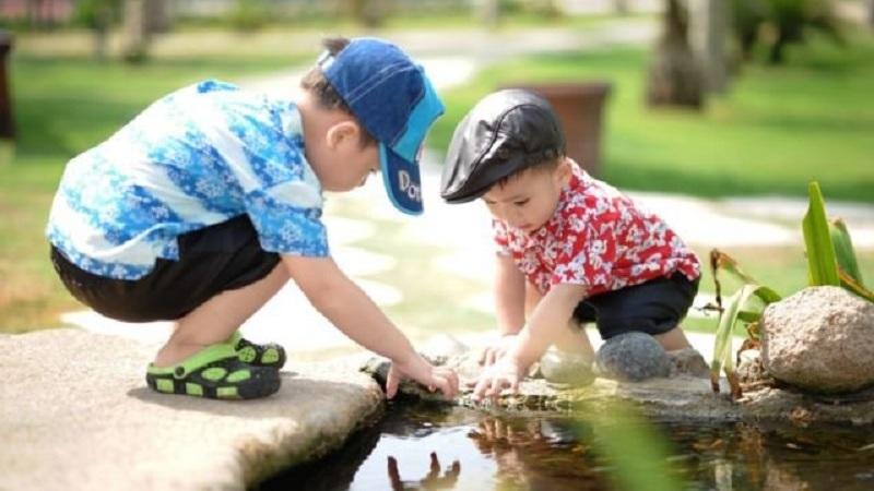 Stop Membantu Anak Setiap Saat untuk Membentuk Karakter Positif