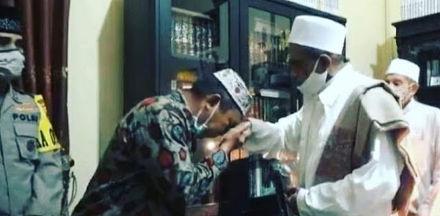 Asmadi Dapat Hadiah Umrah, Usai Bersitegang Dengan Habib Umar Assegaf