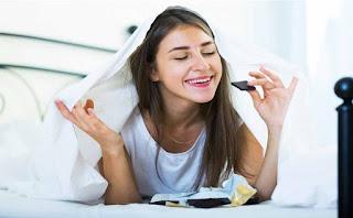 أسوأ 5 أنواع من الأطعمة تتناولينها في ساعة متأخرة!