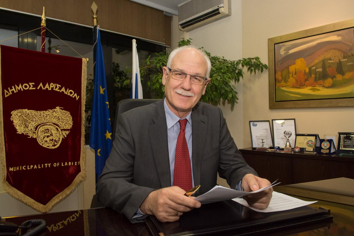 Πρωτοχρονιάτικο Μήνυμα Δημάρχου Λαρισαίων Απ. Καλογιάννη
