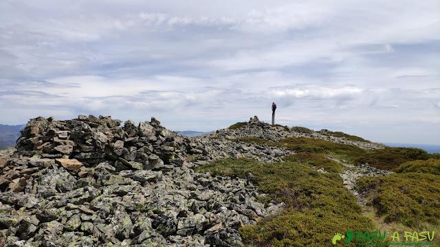Llegando a la cima del Pico Amargones