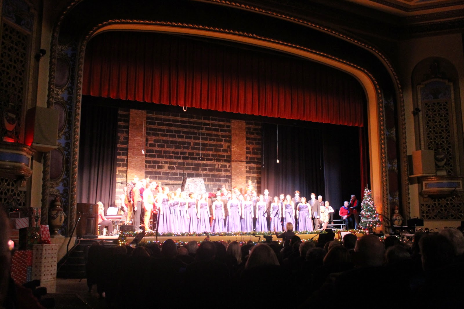 Tivoli Theater In Downers Grove South High Fine Arts Madrigal Singers In