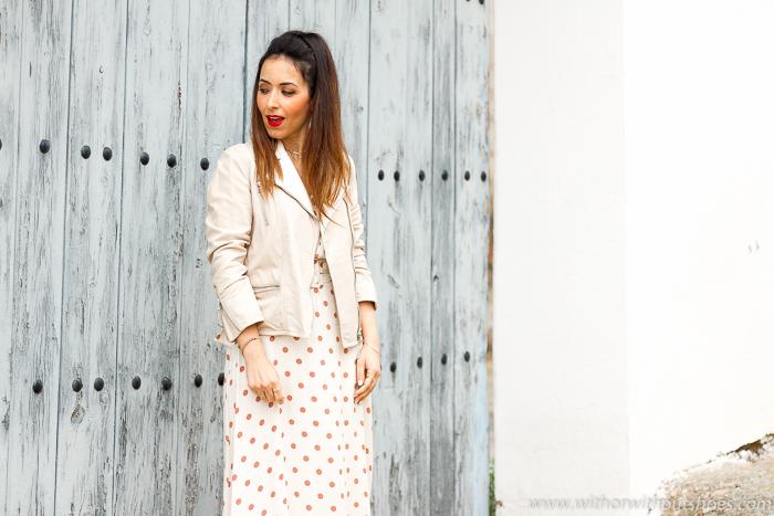 Influencer blogger moda de Valencia con ideas de looks comodos para vestir con estilo