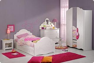 Habitación de niña rosa y gris