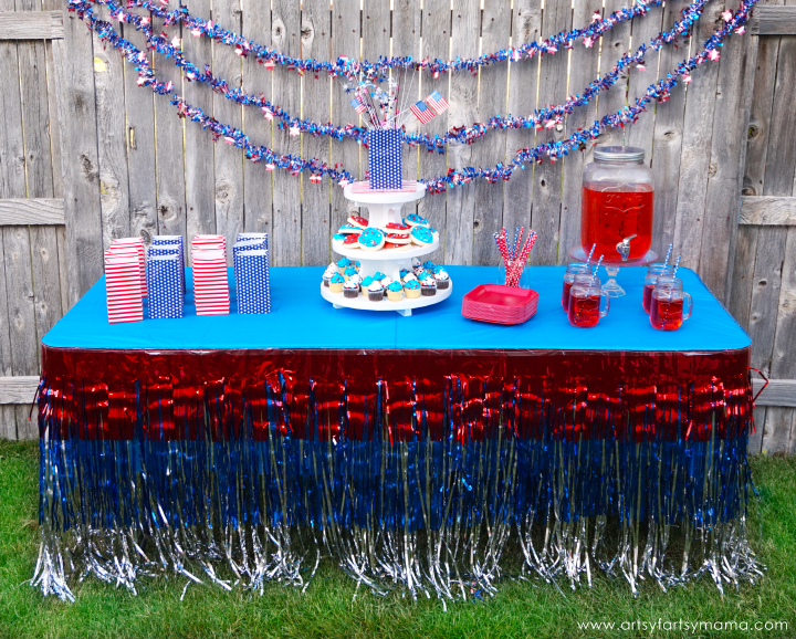 4th of July Backyard Party Ideas #OrientalTrading