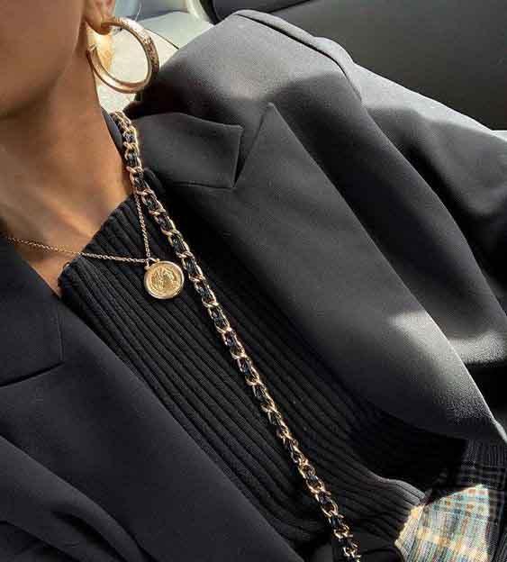 4 motivos para investir em um colar de medalha
