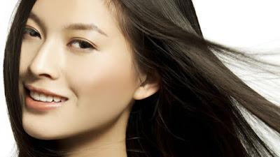 Kecantikan menjadi hal yang sangat diperhatikan oleh perempuan Tips Ampuh Cara Menyuburkan Rambut Secara Alami