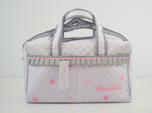 bolso de maternidad gris rosa