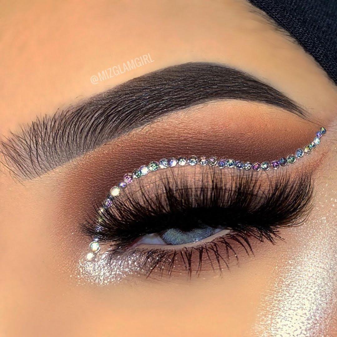 Maquiagem sombra prata glitter carnaval