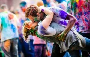 Very romantic happy holi status and photos