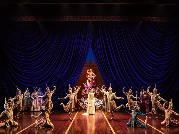 BWW Review: The Wondrous and Brilliant National Tour of Broadway's 2015 Revival of THE KING AND I Docks Splendiferously at the Pantages