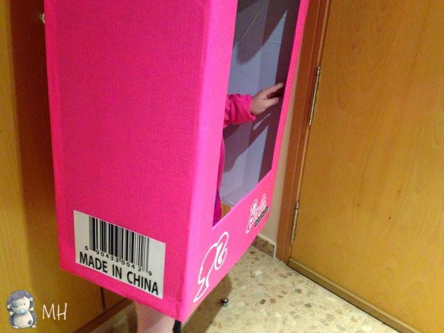 Disfraz de caja de Barbie