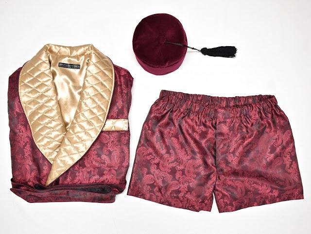 herren hausjacke paisley seide gesteppt weinrot gold dunkelrot morgenmantel hausmantel smoking jacket englisch britisch