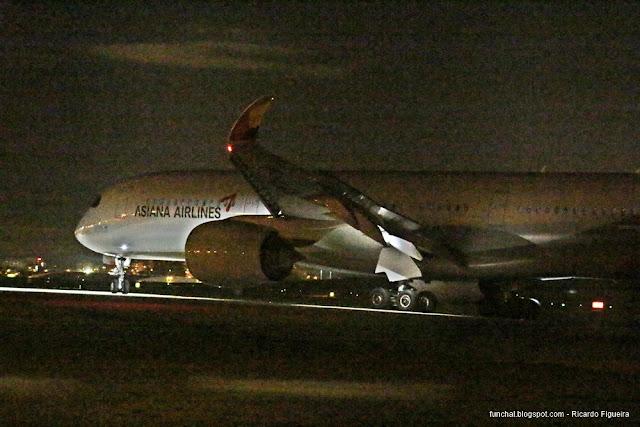 ASIANA AIRLINES - HL8079 - A350-900 - AEROPORTO DE LISBOA