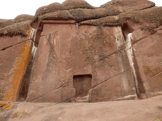 Cửa giả của người Ai Cập: Cánh cổng sang thế giới bên kia