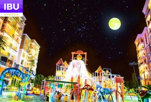 Gold Coast Melaka Resort kolam mandi waktu malam