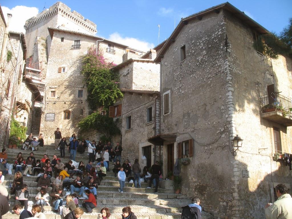 Burgo medieval perto deo Roma
