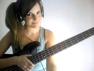Cara Merawat Gitar Bass Supaya Awet