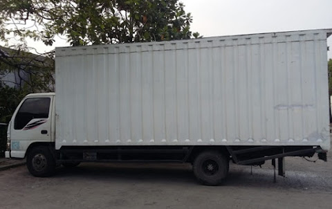 Sewa Truk Box Surabaya