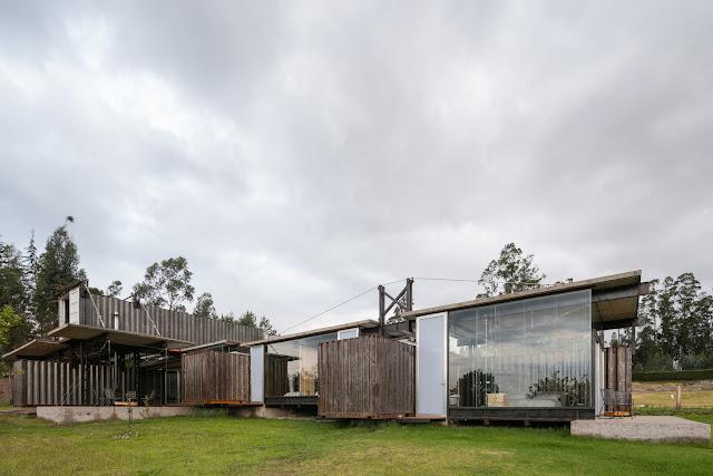 Casa RDP - Shipping Container Industrial Style House, Ecuador 22