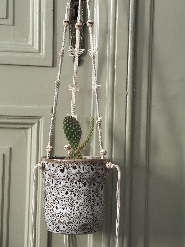 DIY: macraméplantenhanger met keramieken potje/macramé plant hanger with ceramic pot