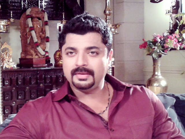 Naveen Arakkal as Prakash Varma in Pranayam Serial