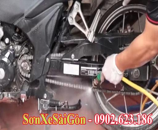 Hướng dẫn vệ sinh NSD xe máy đúng cách