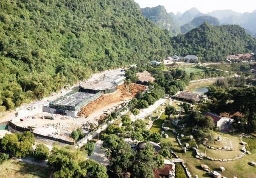 Quyết định của Thủ tướng Chính phủ vừa có hiệu lực được 13 ngày thì Chủ tịch UBND tỉnh Ninh Bình lại ký quyết định cho Công ty Doanh Sinh thuê đất khai thác du lịch ngay trong vùng lõi di sản Tràng An.