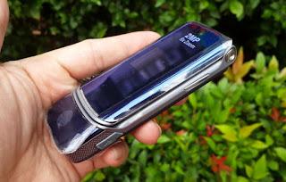 Hape Jadul Motorola KRZR K1 Seken Langka Mulus Kolektor Item