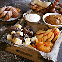 How-to-Build-a-Dessert-Treat-Board-6