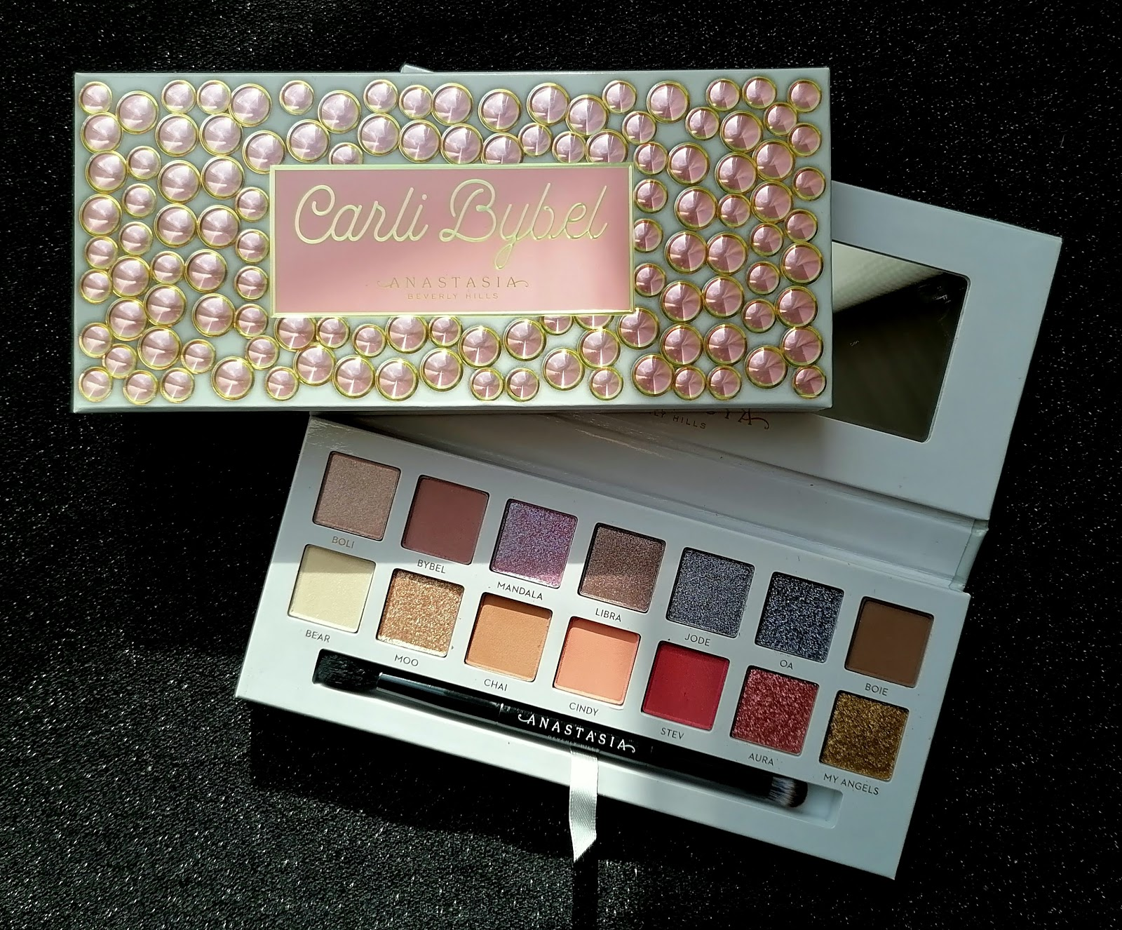 ANASTASIA BEVERLY HILLS X CARLI BYBEL (swatch & make up)