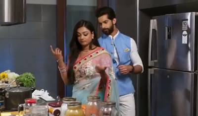 "<img src=""mehek.png"" alt=""woman and man in the kitchen. mehek on zeeworld."">"