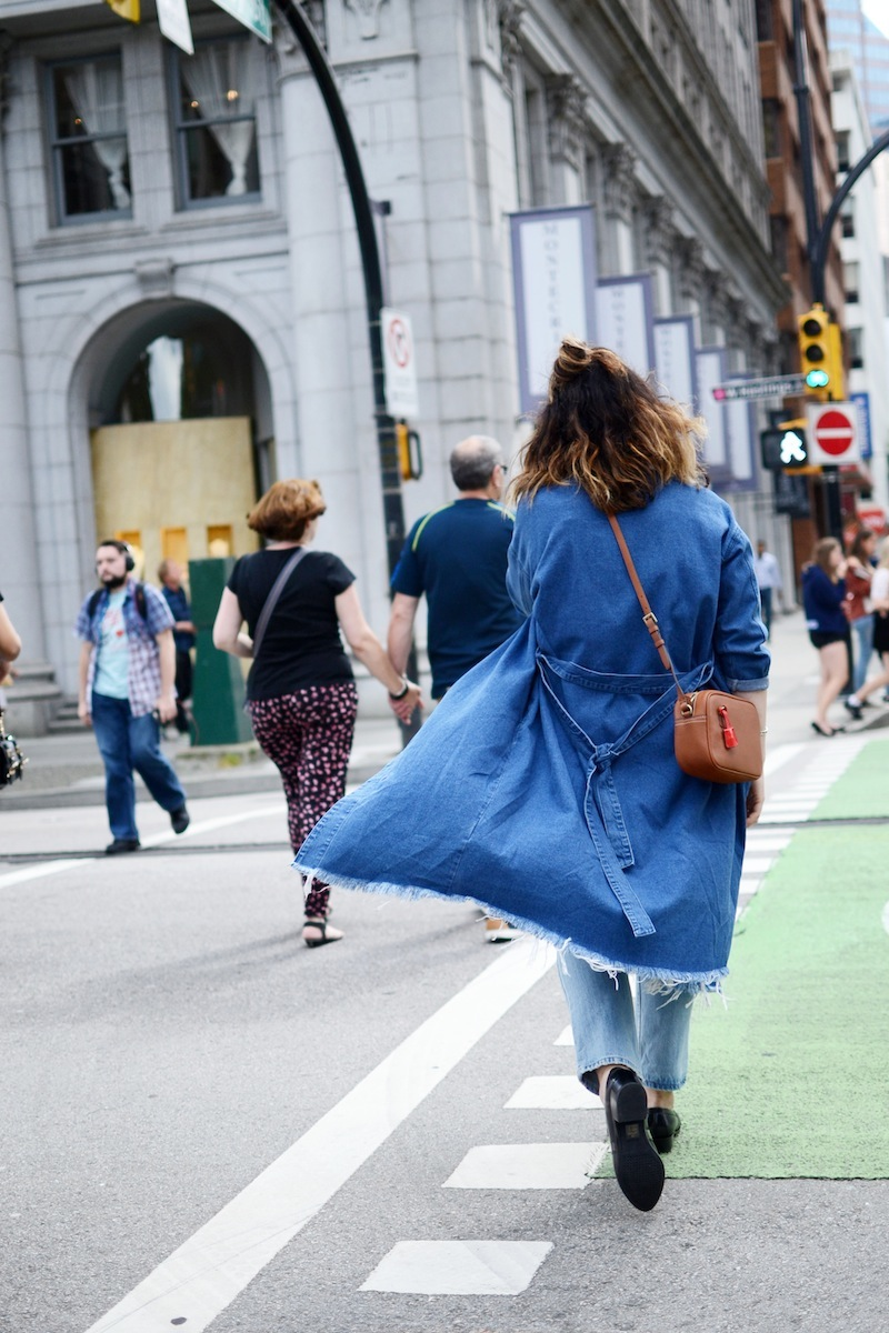 J.Crew Signet bag review Vancouver fashion blogger denim duster coat