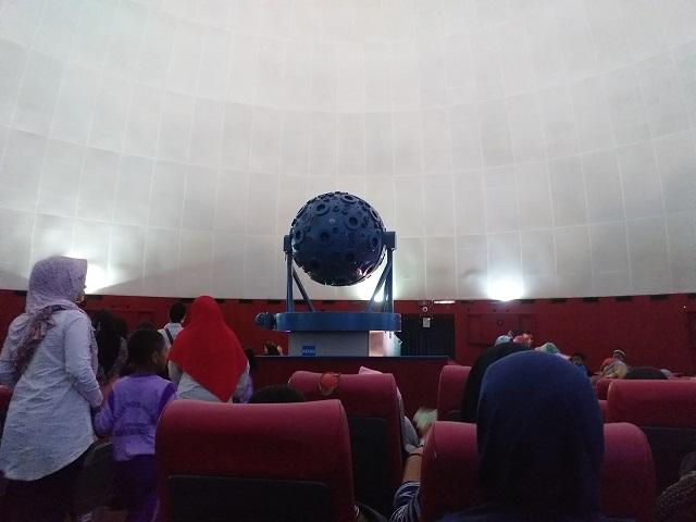 Ruang pertunjukkan di Planetarium