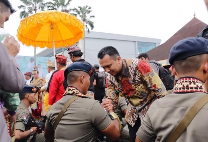 Pelepasan 106 Sat Brimob Dengan Cara Adat Lampung.
