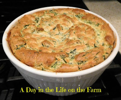 Spinach and Cheese Soufflè and a Giveaway #DairyMonth