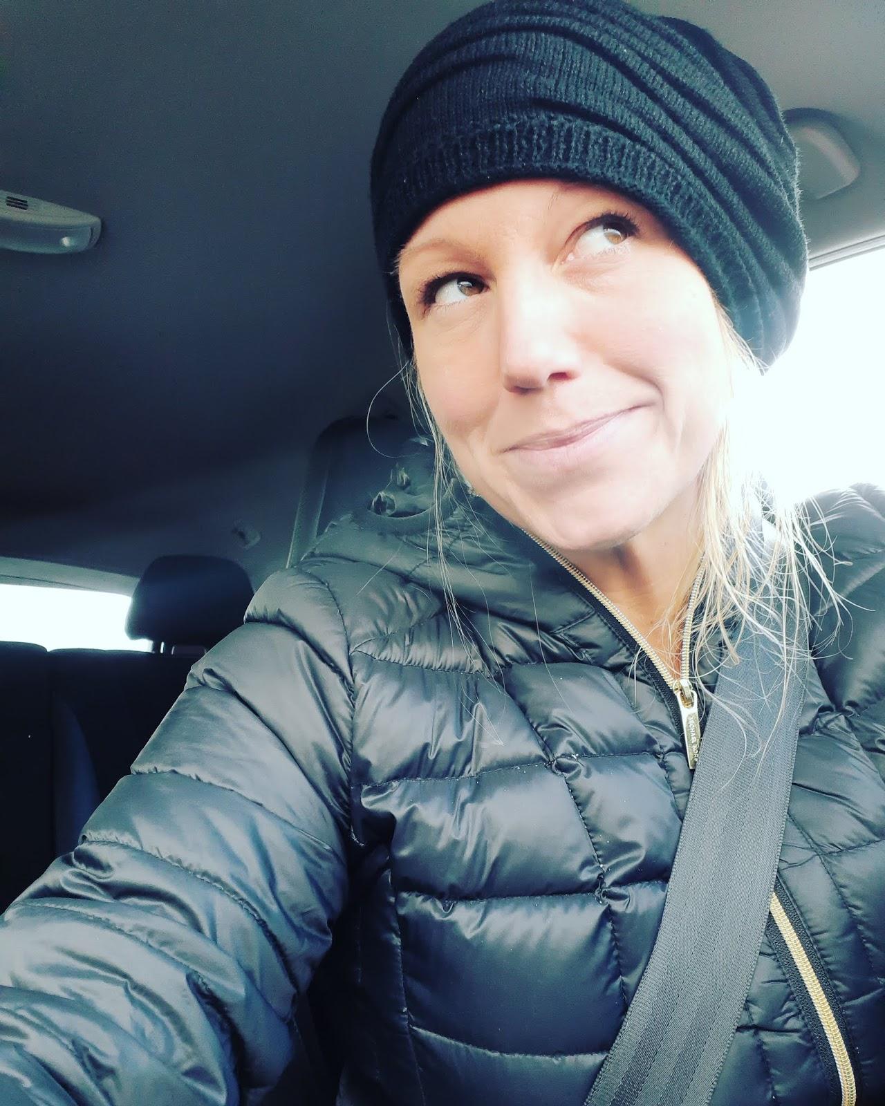 Charlotte McKinney dating historia