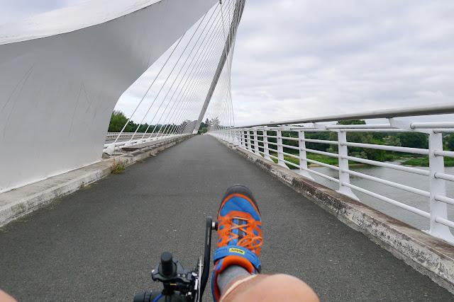 De Paris à Angers par la Loire à vélo, pont de l'Europe