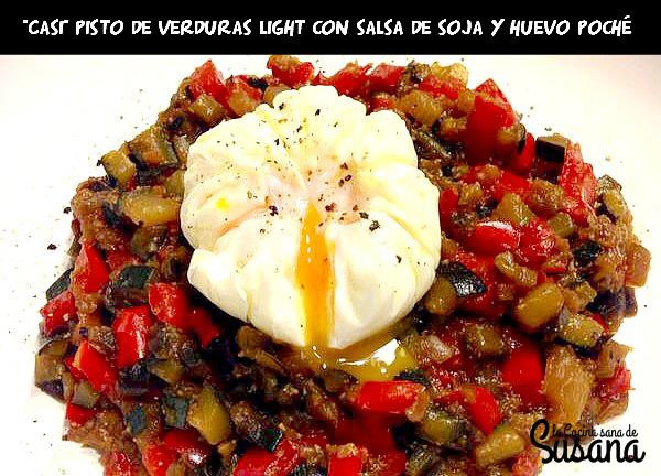 Pisto de verduras light con huevo poché