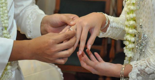 """Menikah Sebelum """"Mapan"""", Kebahagiaanmu Akan Sempurna"""