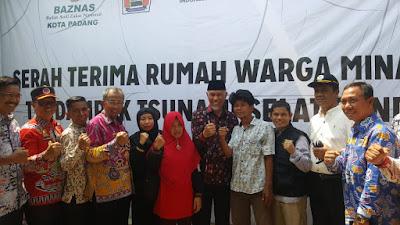 Wali Kota Padang Resmikan Bantuan Rumah Warga Minang Korban Tsunami Lampung Selatan