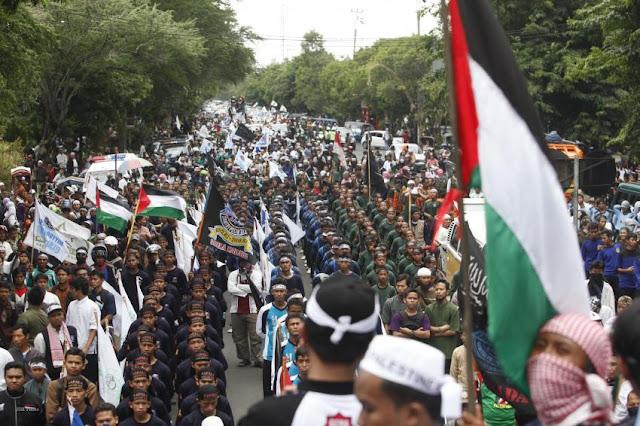 Demo Bela Palestina Dipimpin Langsung MUI di Monas, Anies : Oke!