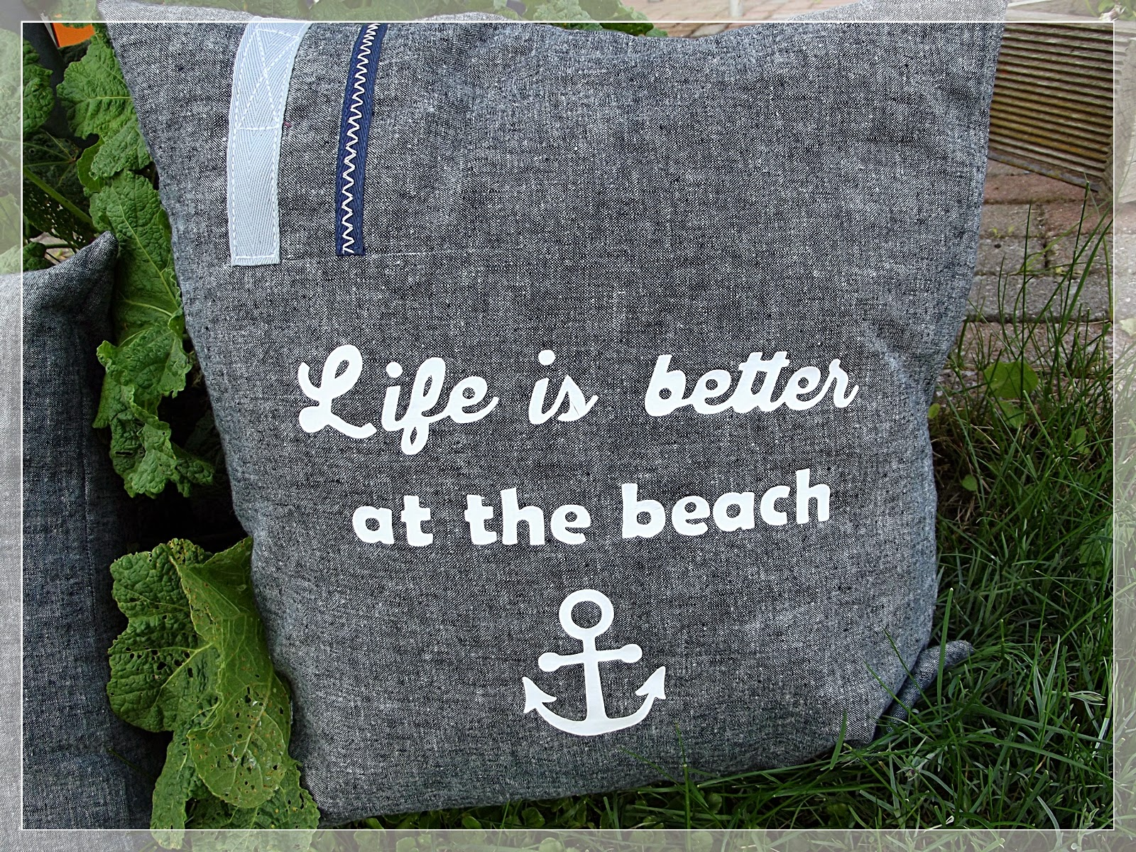 katrins kleine meisterwerke life is better maritime kissen. Black Bedroom Furniture Sets. Home Design Ideas