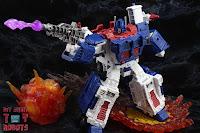 Transformers Kingdom Ultra Magnus 30