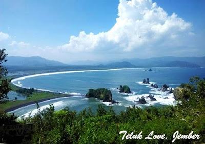 Pantai Teluk Love Jember