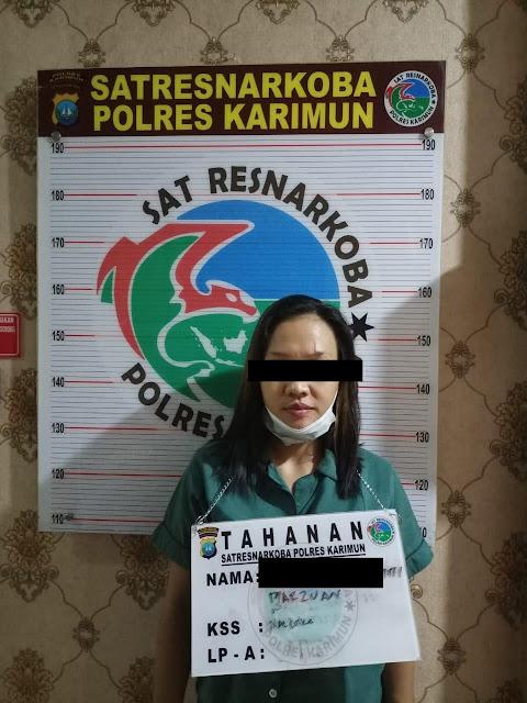 Polres Karimun Amankan 13 Paket Sabu dan 1 Paket Ekstasi dari Tiga Orang Tersangka
