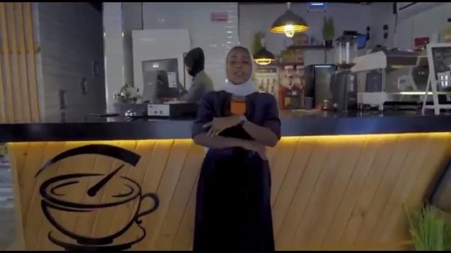 انا بنت مكة