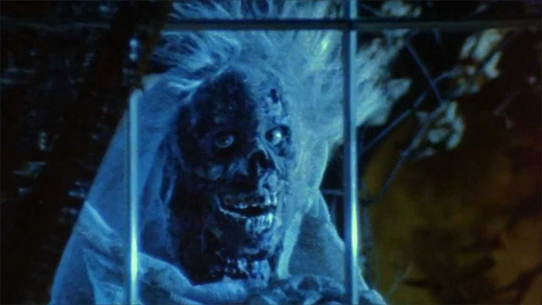 Der Cryptkeeper in CREEPSHOW (George Romero, 1982). Quelle: Screenshot offizieller Kinotrailer